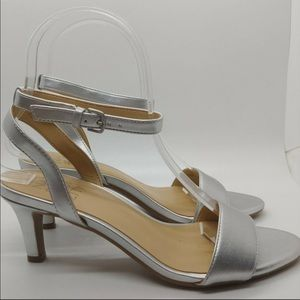 NWT Naturalizer Silver Ankle Strap Sandal